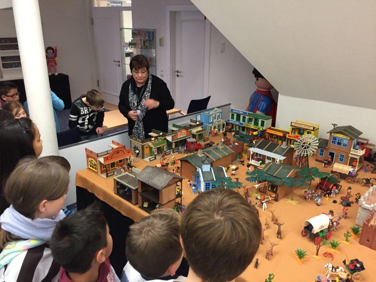 enkircher grundschüler besuchen die playmobilausstellung